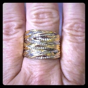 🆕 two-tone silver and gold cigar band ring.🆕